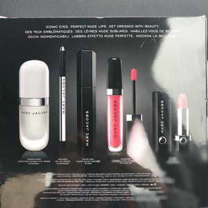 Marc Jacobs Effortlessly Irresistible Gift Set
